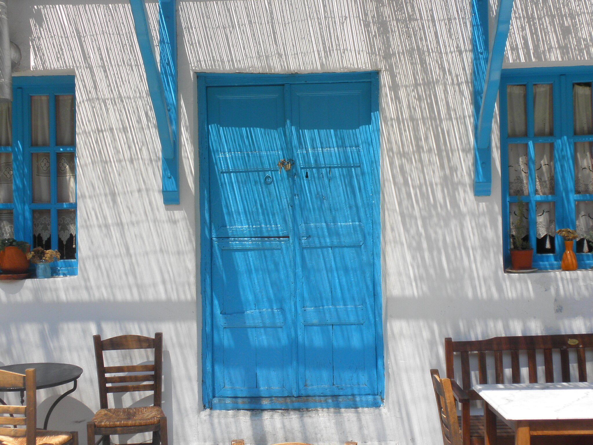 Blue is used everywhere in the Cyclades church cupolas windows doors walls staircases and fences which provide blue \u0027belts\u0027 around buildings ... & Blue Doors and Windows | Another Bag More Travel