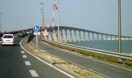 Bridge La Rochelle to Ile de Rey