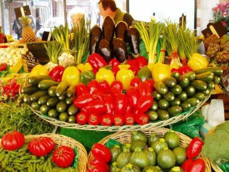 La Rochelle Vegetable Market