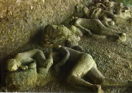 Pompeii victims plaster casts of the dead
