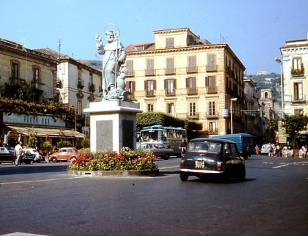 Sorrento Traffic 1976