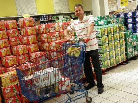 Essential Shopping Carrefour Calais
