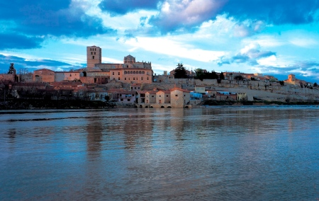 Zamorra and the River Duero